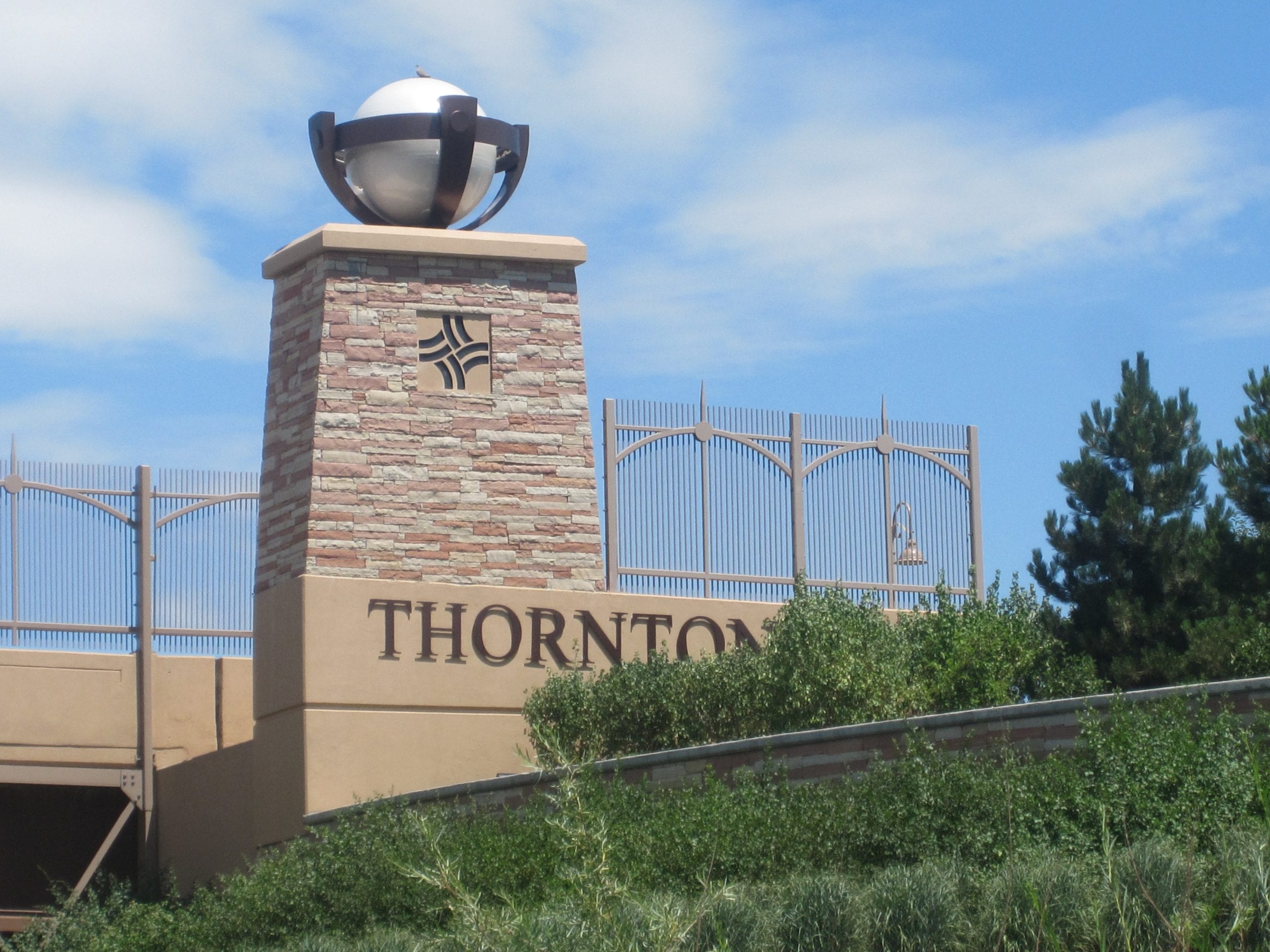 city of Thornton sign